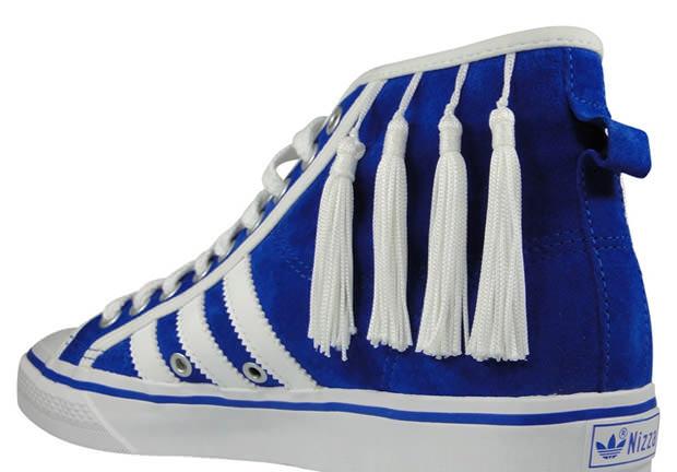 http://nicekicks.com/files/2010/02/adidas-originals-by-originals-nizza-hi-by-jeremy-scott-1.jpg