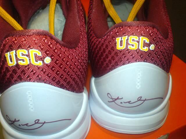 buy popular a57f0 ed69f Nike Zoom Kobe V USC PE Detailed Photos   Nice Kicks