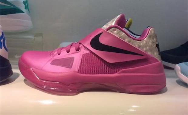 "Nike Zoom KD IV ""Aunt Pearl"""