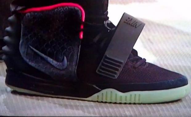 Nike Air Yeezy 2 Black/Pink