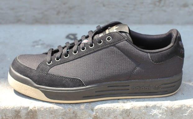 adidas Rod Laver Black/Gum