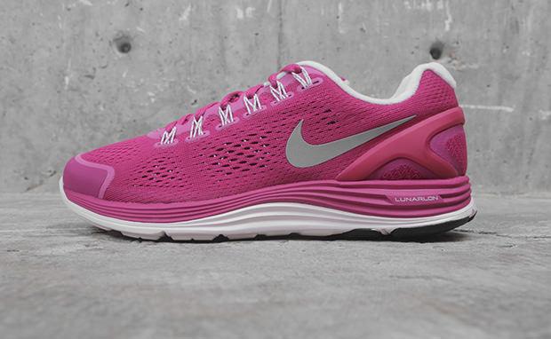 Nike WMNS LunarGlide+ 4 ?Fireberry?