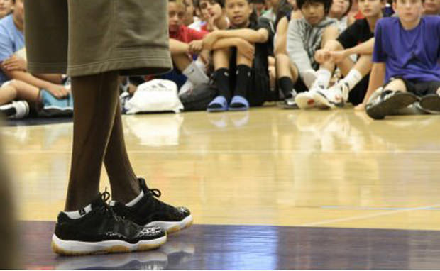 """Michael Jordan Wears Air Jordan 11 Low """"Space Jam"""" PE"""