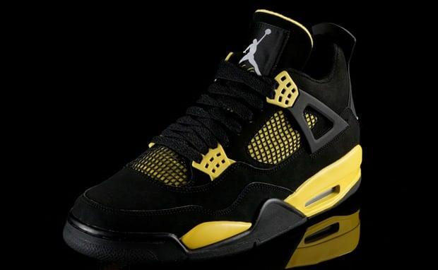Air Jordan 4 Thunder
