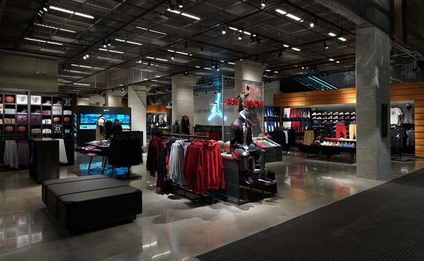 Nike Reopens Flagship Brand Presence in Chicago