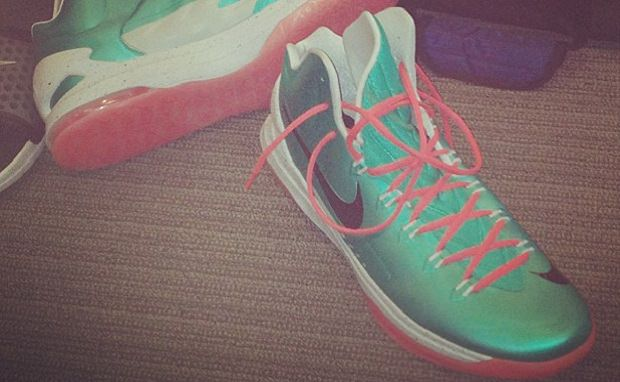 Kevin Durant Reveals New Nike Zoom KD V Colorway