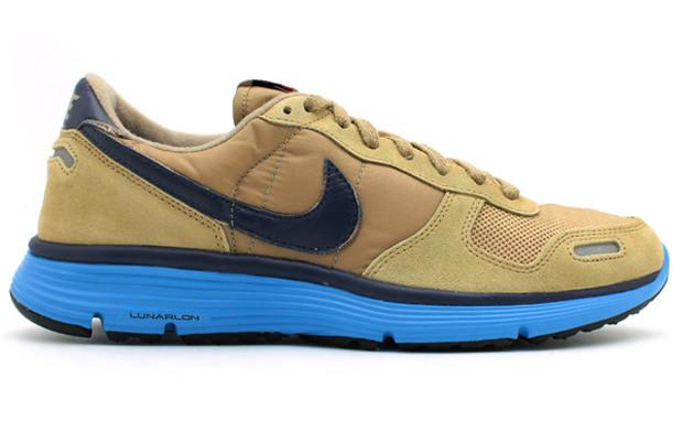 Nike Vortex VNTG Lunar NRG