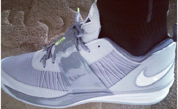 "LeBron James Debuts Nike Zoom Revis ""Cool Grey"""