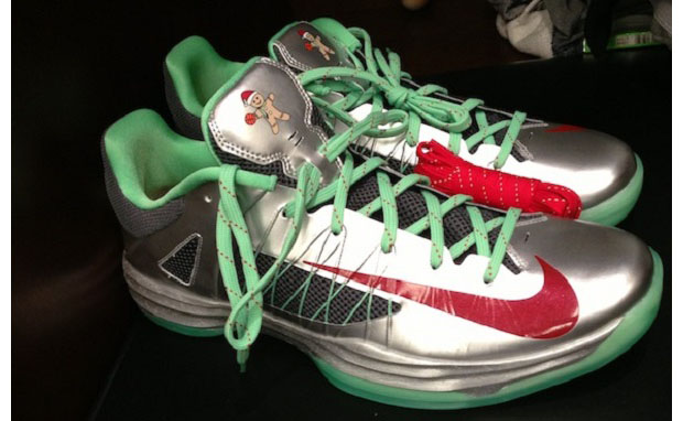 "Nike Hyperdunk 2012 Low ""Christmas"""