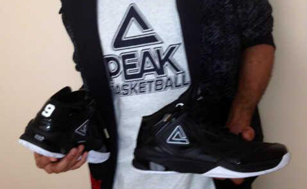 Tony Parker Unveils His New PEAK Shoes