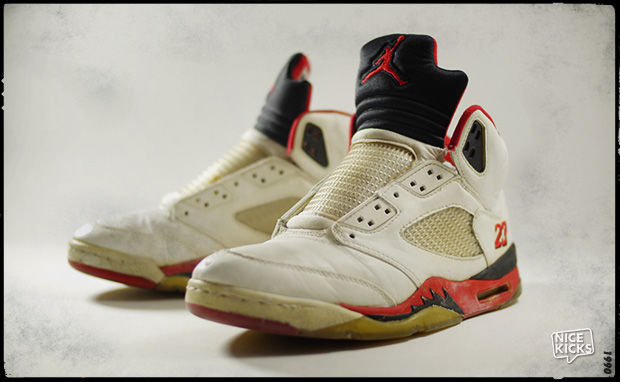 #XX8DaysOfFlight Unboxing the OG Air Jordan 5 Fire Red