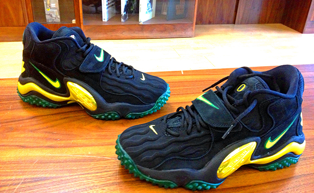 "Nike Air Zoom Turf Jet '97 ""Oregon"" Custom"