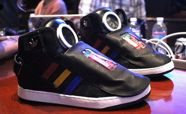 Google Unveils Talking Shoe at SXSW