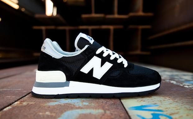 New Balance 990 Black/White