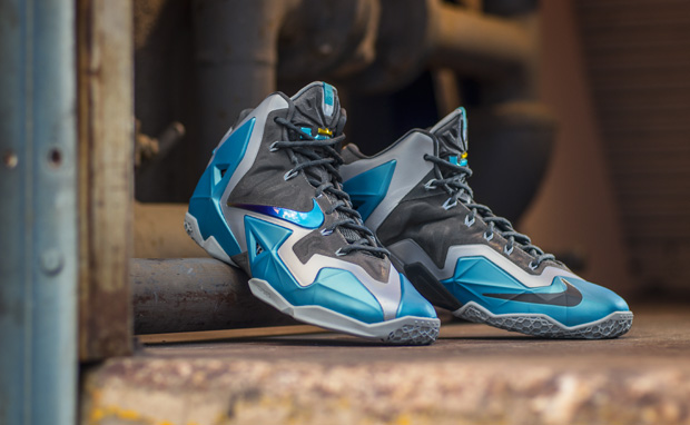 "Weekly Wallpaper: Nike LeBron 11 ""Gamma Blue"" 