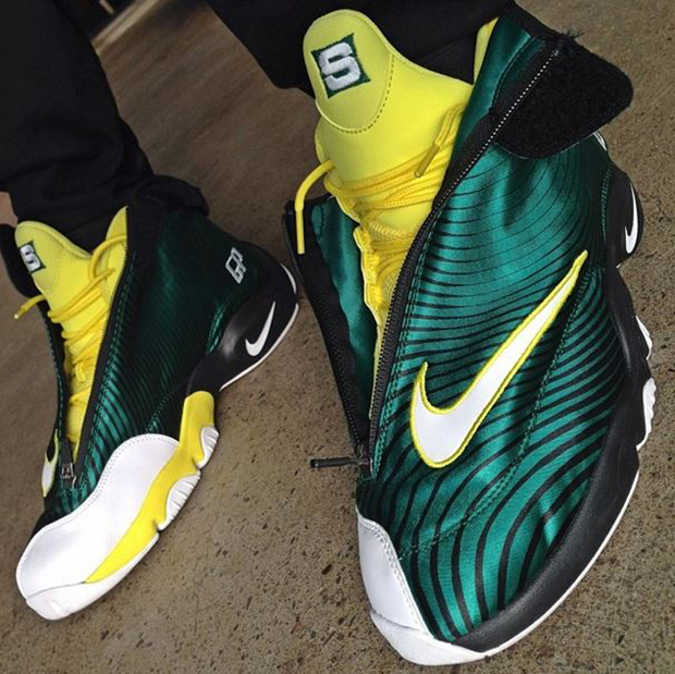 "Sole Collector x Nike Air Zoom Flight The Glove ""Sonic ..."
