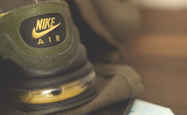 size?-nike-air-max-93-army-and-navy-teaser-2