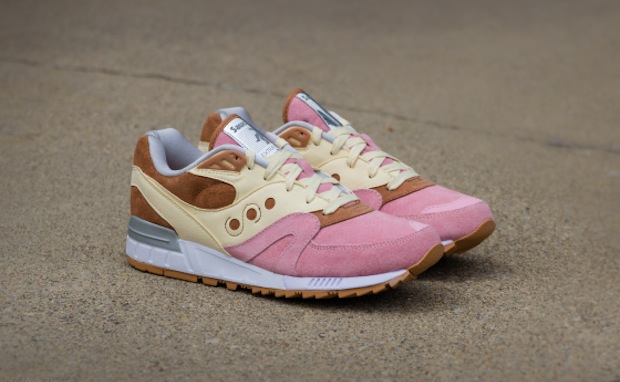 Extra-Butter-x-Saucony-Shadow-Master-Space-Snack-Another-Look-5