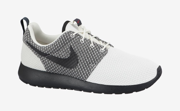 nike roshe one sail\/fuchsia force\/light ash grey\/dark ash wednesday