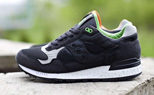 d850bbff all black saucony shadow -