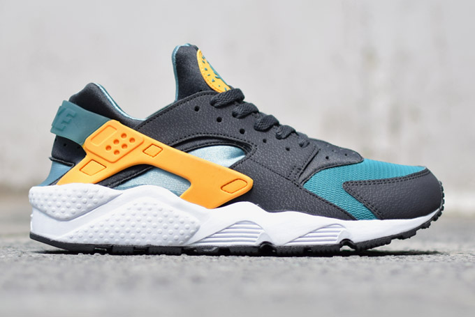 orange nike air huarache new