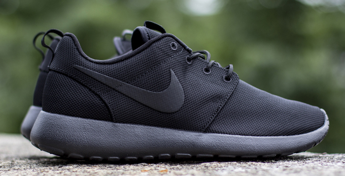 "Nike Roshe Run ""Triple Black"" | Nice Kicks"