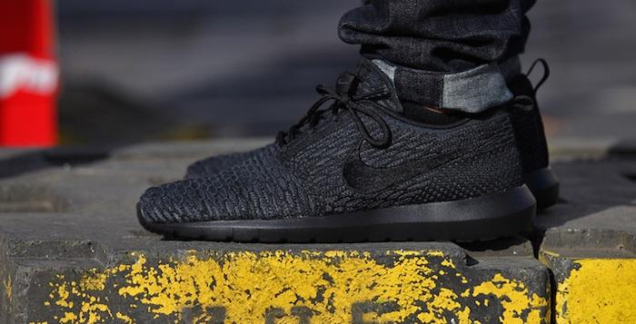 Nike Racer Flyknit Blackout