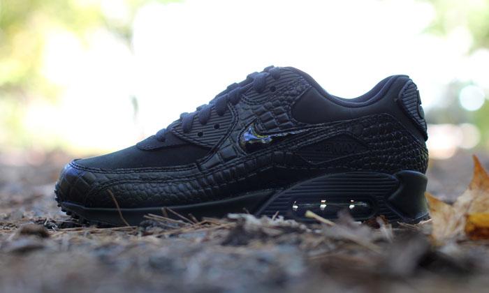 Nike-WMNS-Air-Max-90-Black-Croc