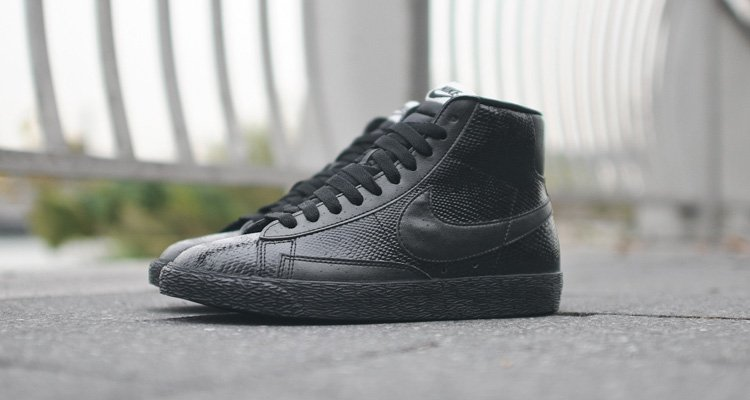 nike blazer all black