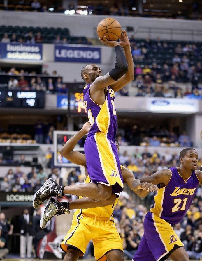 """Kobe Bryant shooting in the Nike Kobe 9 Elite """"Precision"""""""