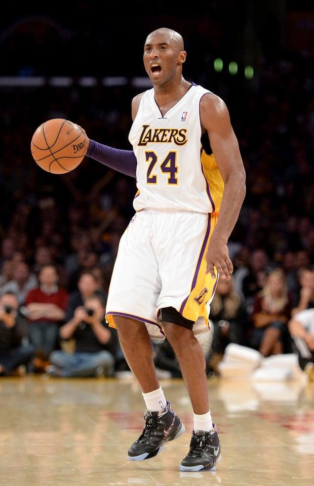 Kobe Bryant in the Nike Zoom Kobe 1 Prelude