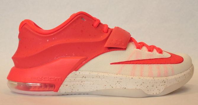 Nike KD 7 Premium Christmas Egg Nog