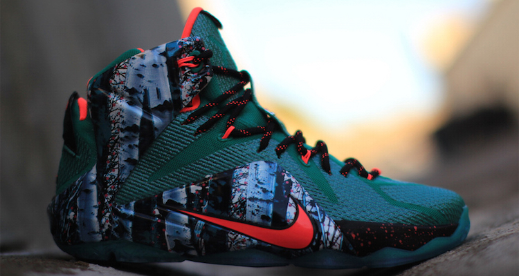 Nike LeBron 12 Christmas Emerald Green Hyper Punch