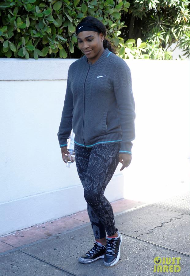 Serena Williams in the NikeCourt Zoom Vapor AJ3