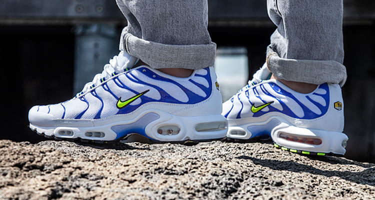 nike air max tn blue white screening