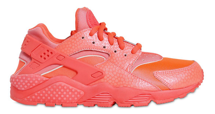 Nike Dresses the Air Huarache in All Red For Summer