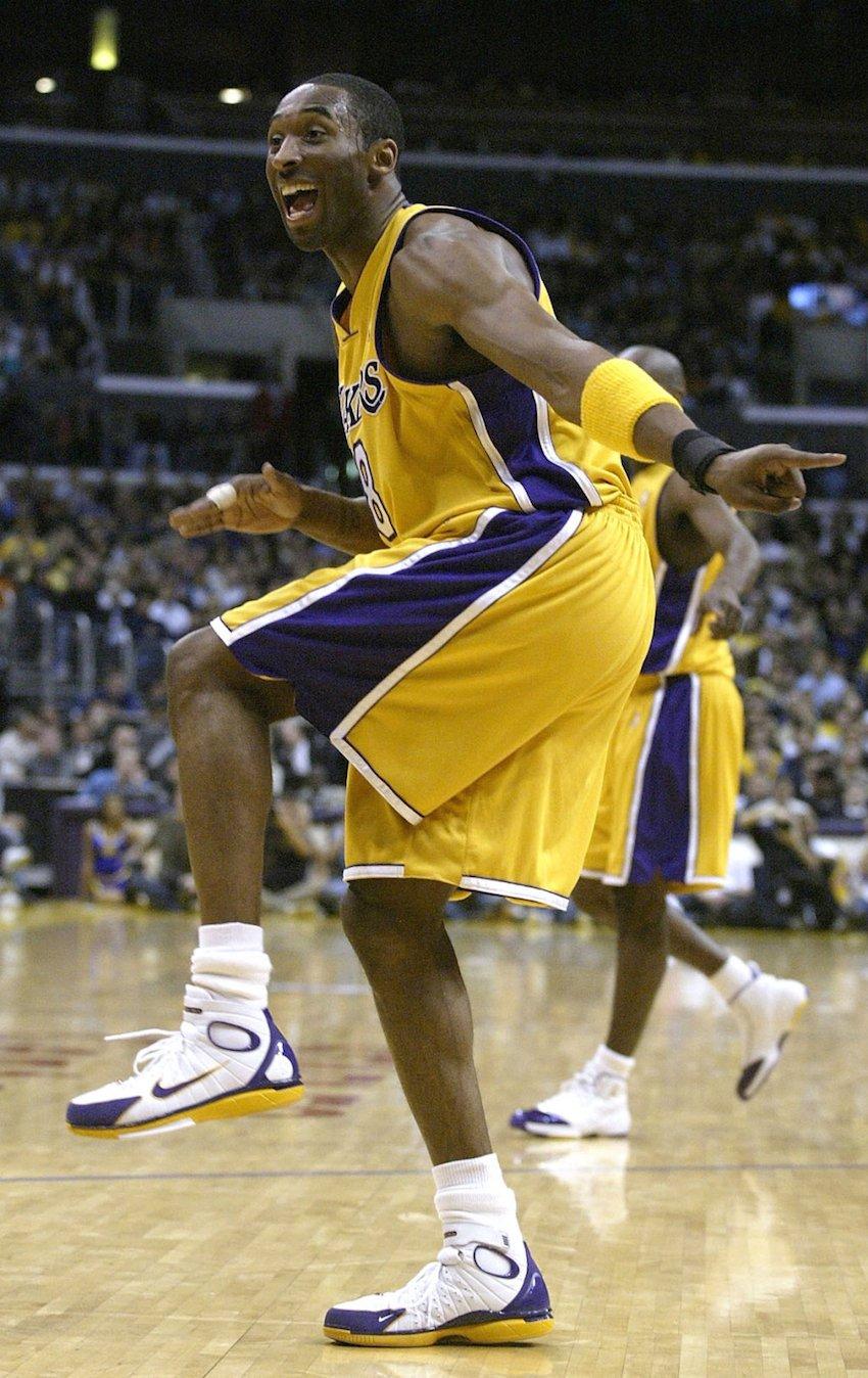 Kobe Bryant in a Lakers PE of the Nike Zoom Huarache 2K4