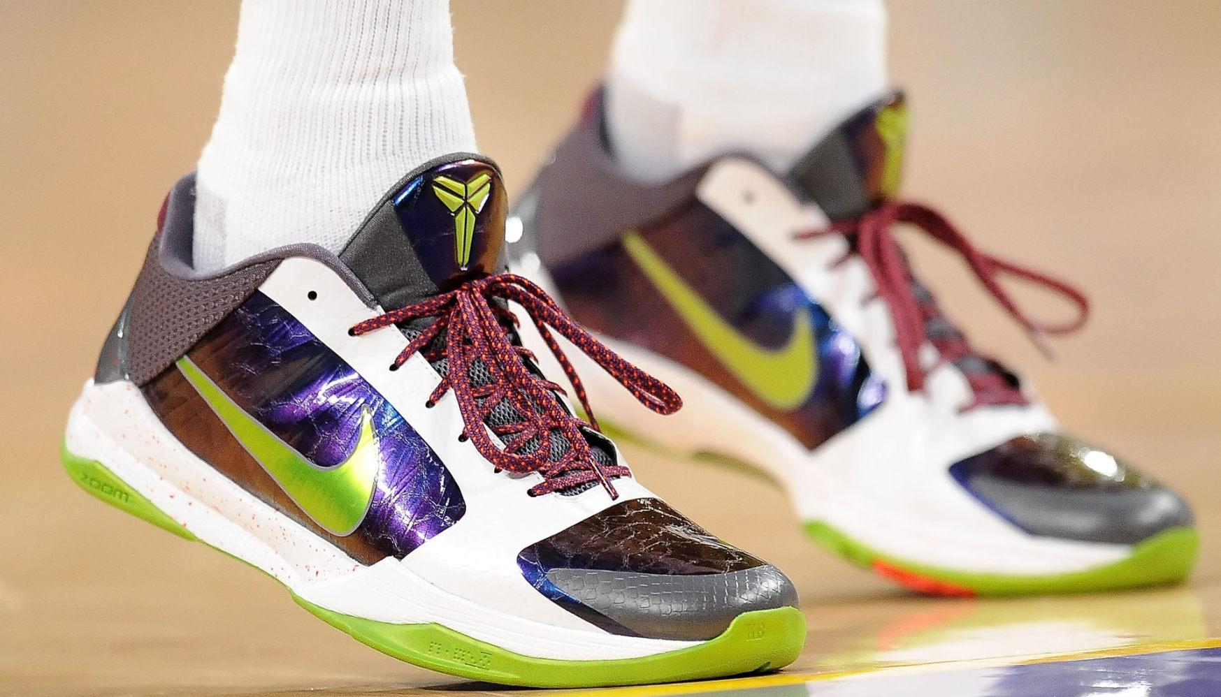 daaeca002abf buy kobe sneakers kobe bryant shoes christmas edition