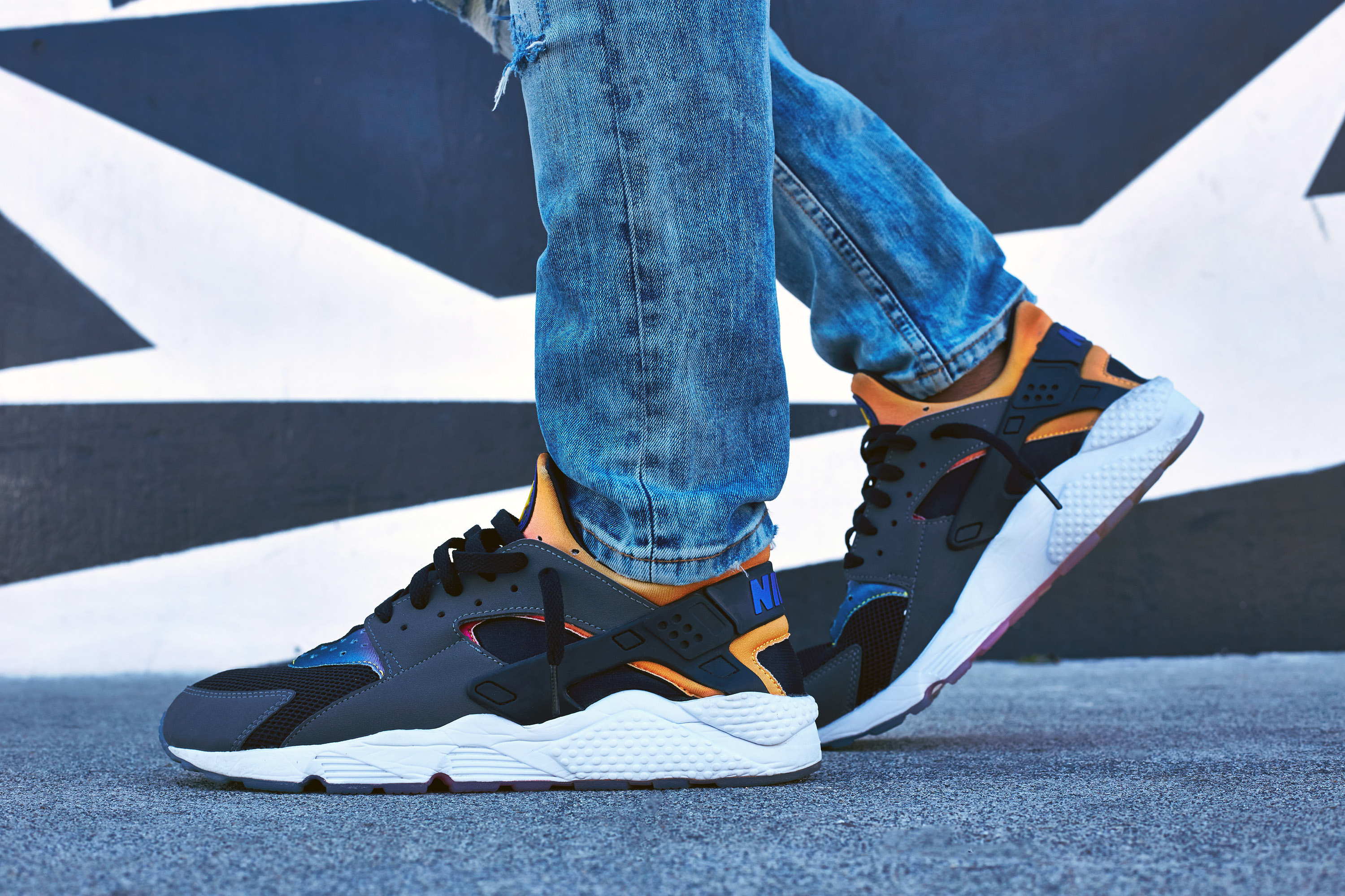 nike air huarache on foot
