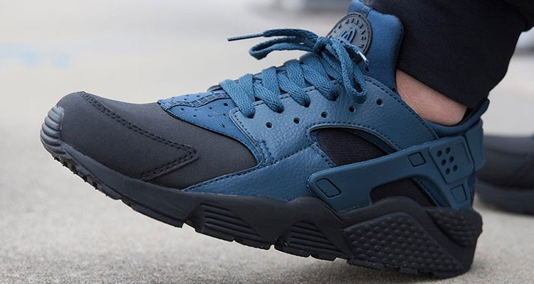 nike huarache black and blue mens