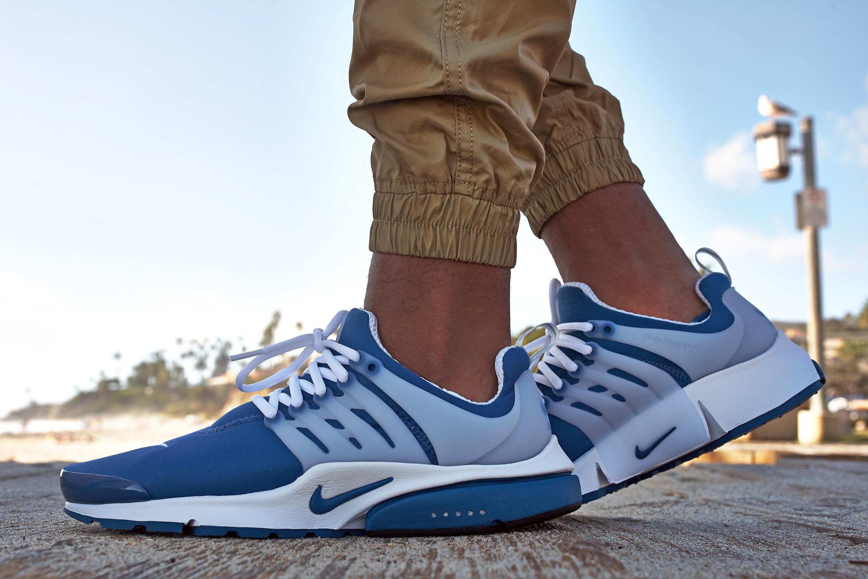 nike air presto island blue on feet