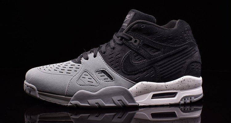 This Nike Air Trainer III Odes to Bo Jackson and the Raiders ...