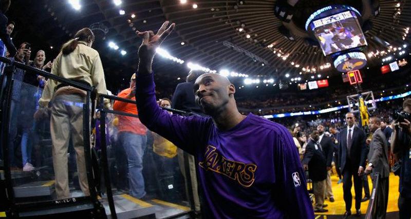 The Black Mamba Sports Kobe 11 PE in Final Game at Oracle | Kicks On Court