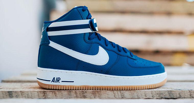 Nike Air Force 1 High Bleu Et La Gomme