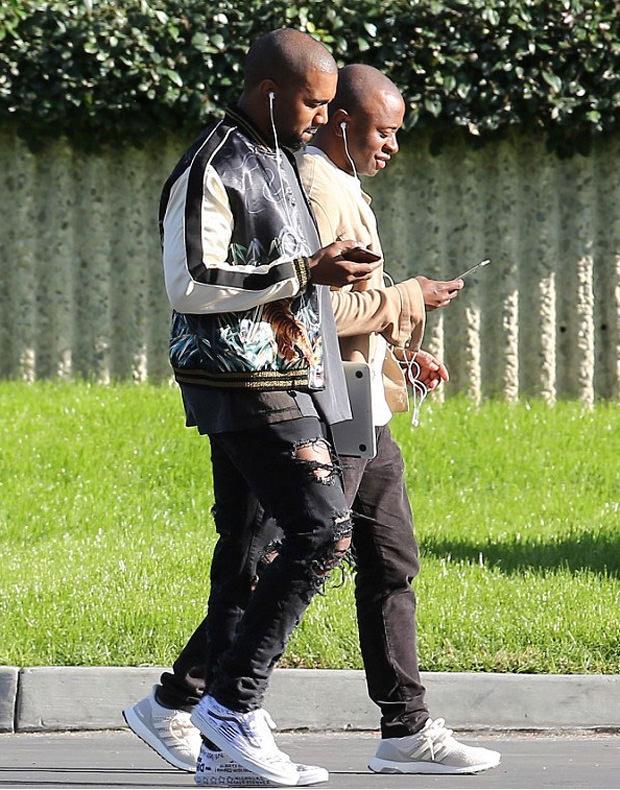 Kanye West in customized Vans Old Skool
