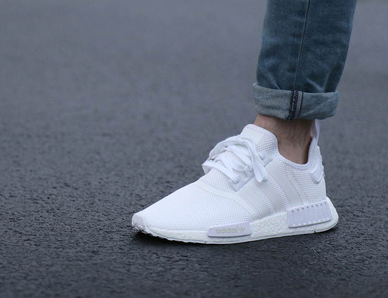 wjajsf mknh54fn Sale Adidas Nmd R1 Triple White On Feet