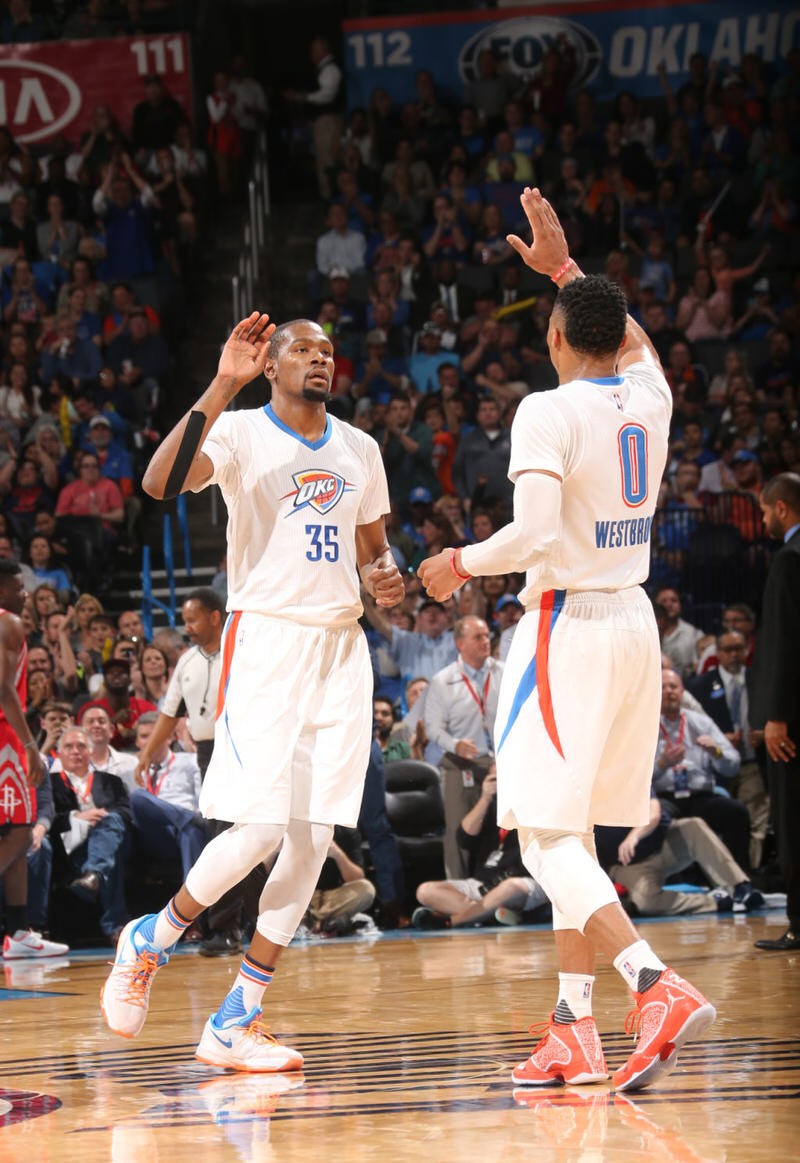 Kevin Durant and Russell Westbrook in PE versions of the Nike KD 8 and the Air Jordan XX9, respectively