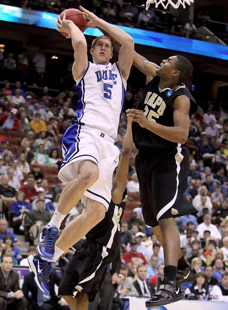 Mason Plumlee in the Nike Zoom Kobe V