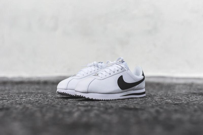 Tentación Credo Fundir  This Nike Cortez White/Black is Perfect for Summer | Nice Kicks