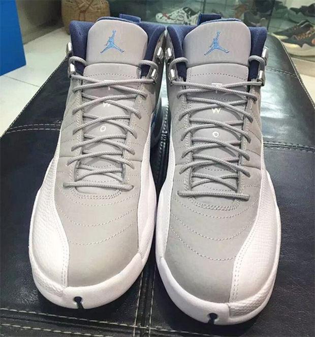 Air Jordan 12 UNC